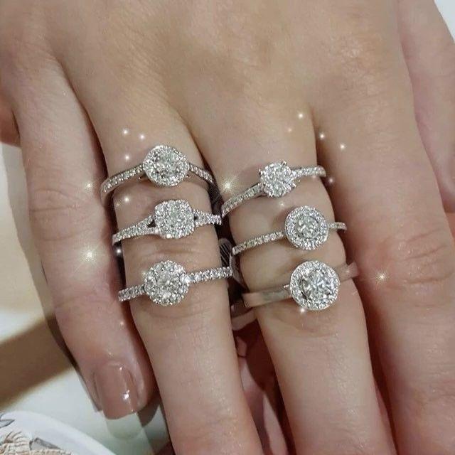 You can't beat our sparkle 😘👯👏😂 #engagementring #diamondring #diamonds #anniversarygift #portfairyjeweller #leskesdiamondssparklemore #love #ootd #jewelrygram