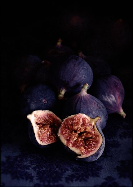 "Figs, unidentified and with no recipe. In reality: ""william lingwood.....shoots food"""