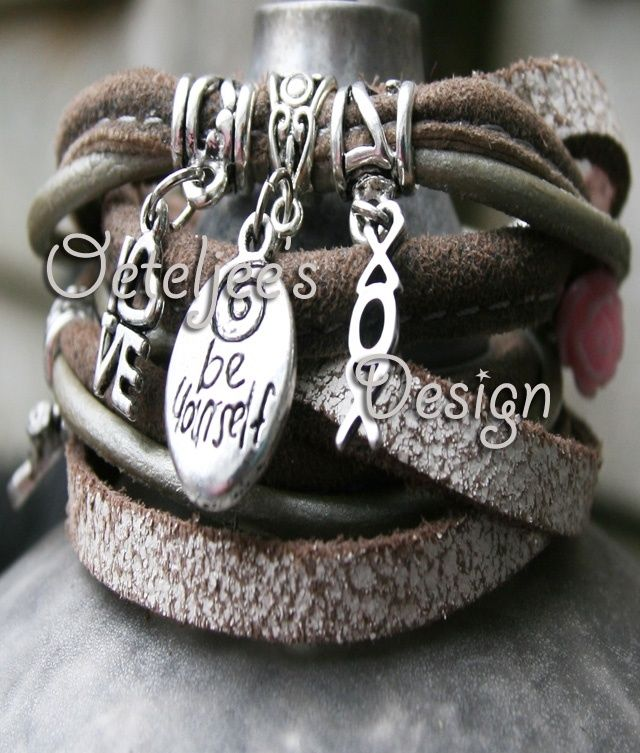 "Wikkel armband leer met tekst ""Be Yourself"""