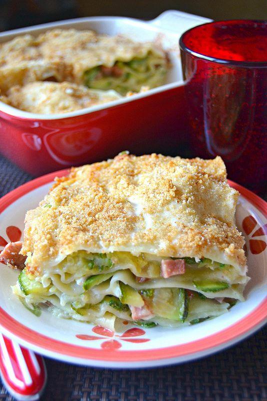 Lasagne di zucchine con crumble al parmigiano