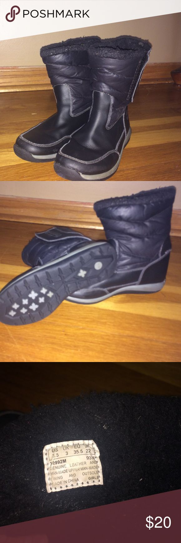 Girls Timberland boots 3.5 Girls Timberland boots, black color, size 3.5 used, good  condition,lower part made of leather Timberland Shoes Boots
