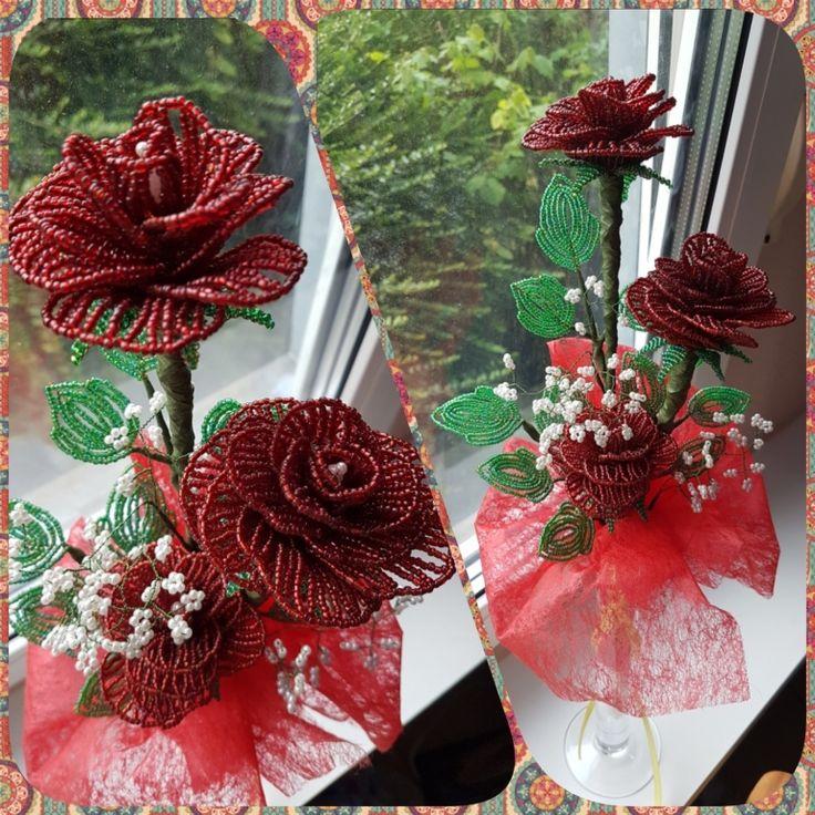 Lassan már nincs olyan anyag, amiből ne lehetne gyönyörű szép virágcsokrot kreálni. Mutattunk már be farmerből, filcből, dekorgumiból, szárazvirágokból és...