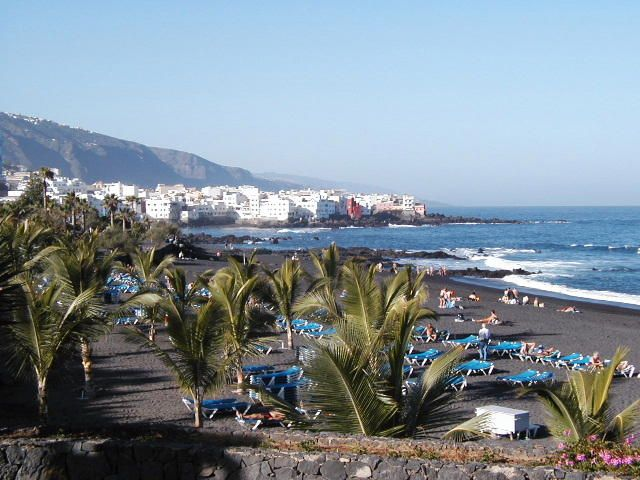 Google Image Result for http://jerrybrice.files.wordpress.com/2011/05/black-sand-beach-tenerife-canary-islands.jpeg