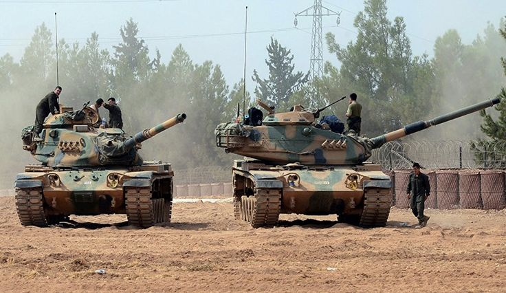 A convoy of trucks, carrying tanks and military vehicles, was seen on the road in the southeastern Gaziantep province of Turkey on Thursday, Al-Alam News Network reports.
