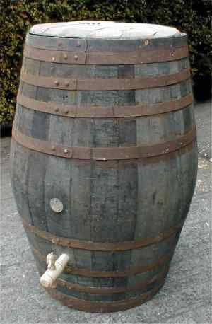 http://www.oak-barrel.com/water_butts/barrel_water_butt.jpg (23/01/2014)