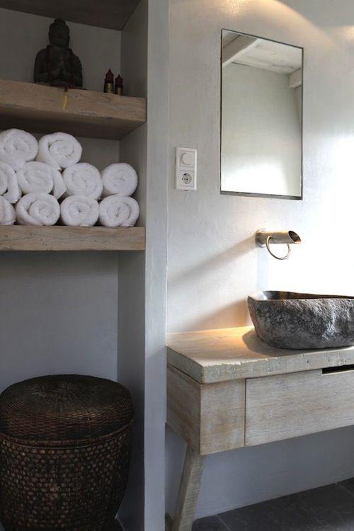 25 beste idee n over wit dressoir badkamer op pinterest witte badkamerkasten dubbel - Zen doucheruimte ...