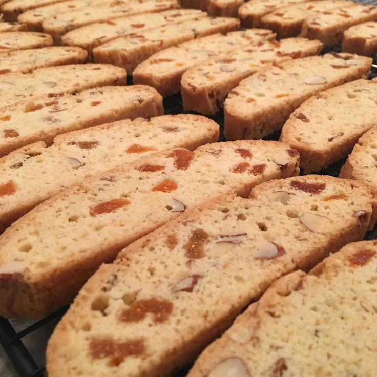 Apricot and Almond Biscotti – Bakelife