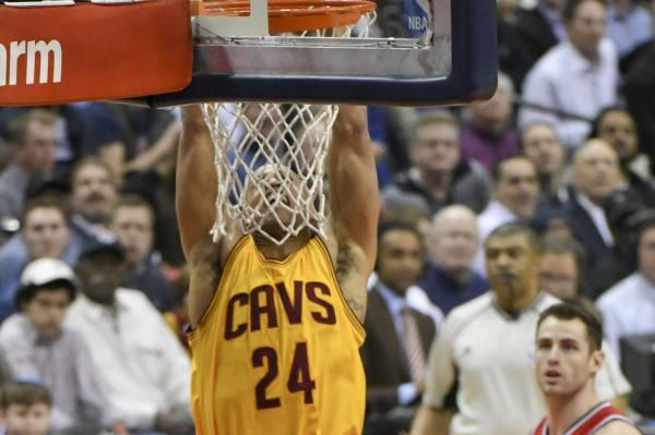 The Denver Nuggets announced the signing of veteran forward Richard Jefferson on Thursday.