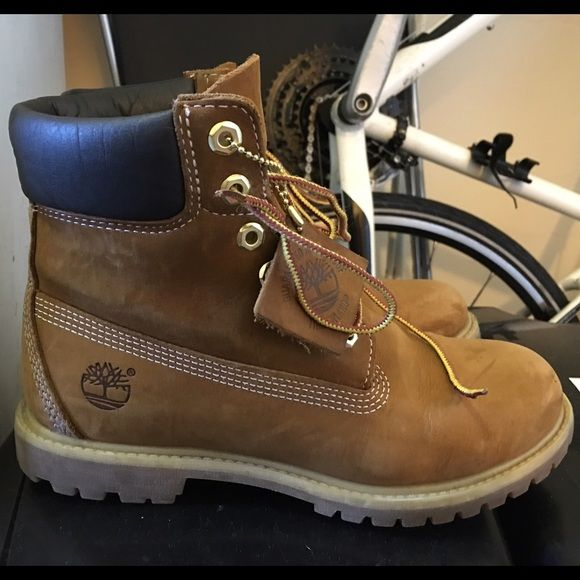 Women s Rust Grain 6-in Timberland Boots - Size 8M In near-perfect  condition. I wore a few times but just too small. Need a size up. 320ed5e41eda