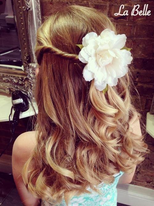 20 penteados super fofos para as daminhas de honra   Casar é um barato