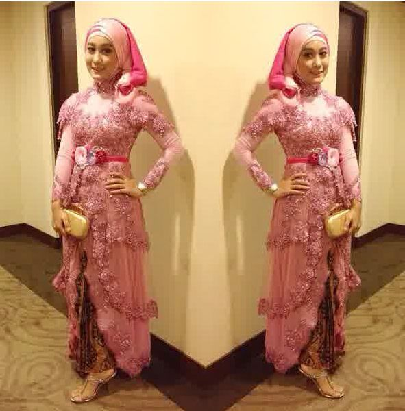 Kebaya Hijab (8)- Merah Muda