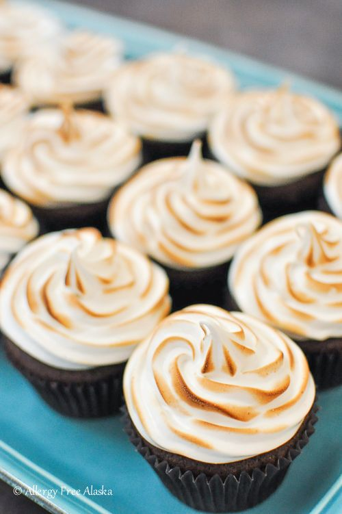 ... | Toasted Marshmallow, Marshmallow Frosting and Chocolate Cupcakes