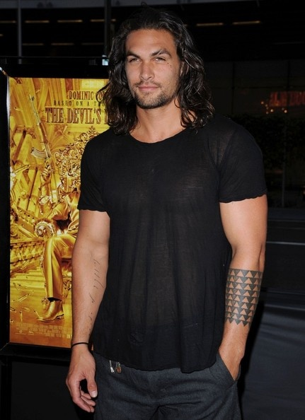 Jason Momoa so handsome and a pretty wife and two kids too. Just learned about his scar. Interesting story. He thinks it ruins his pretty boy face. I think not! :-)