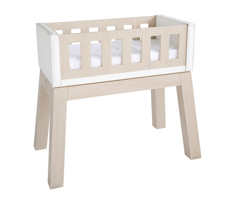 #planetlittle #pietboon The sturdy legs are made from massive beech wood which are making this design cradle (with white leather) very stable.