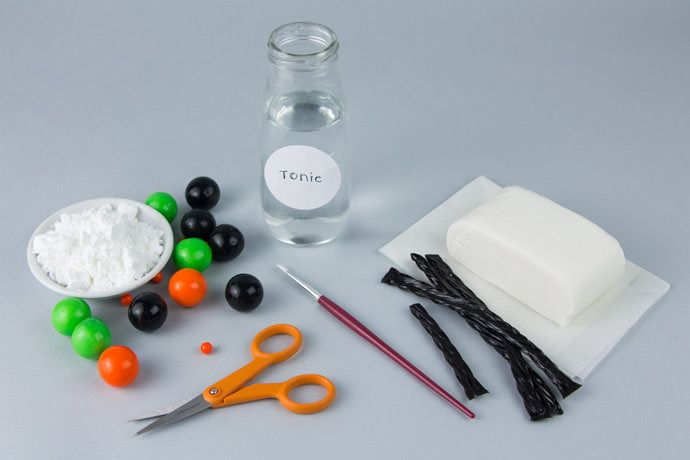Add the wow factor to your Halloween party. Write secret messages in cupcakes and have them glow when the lights are turned off. Handmade Charlotte shares how to make glow-in-the-dark frosting for secret message cupcakes this Halloween. A fun Halloween party treat!