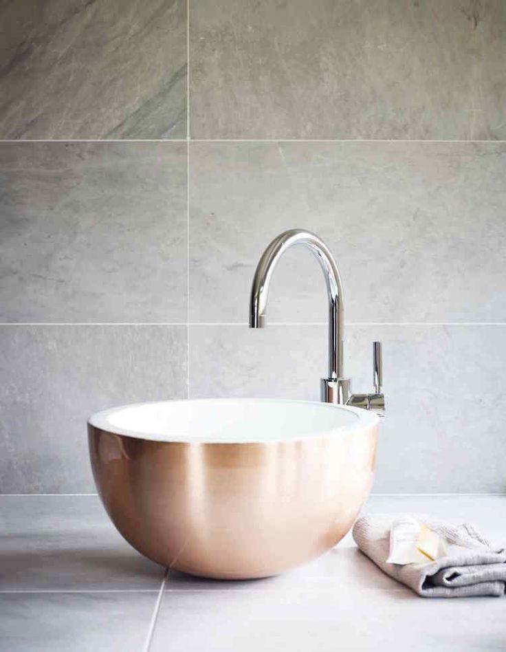 les 25 meilleures id es de la cat gorie salle de bains de cuivre sur pinterest salles d 39 eau. Black Bedroom Furniture Sets. Home Design Ideas