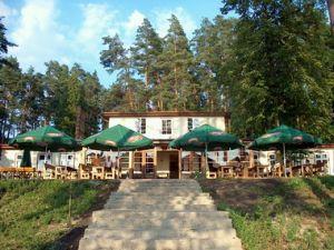 Widok na restaurację w Wiosce Rowerowej na Mazurach