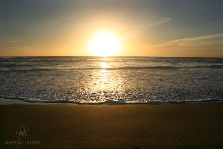 Karekare Beach Sunset - Matejalicious Travel and Adventure