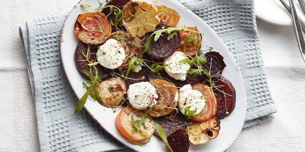 Slanke salade met geroosterde bieten en gietenkaas