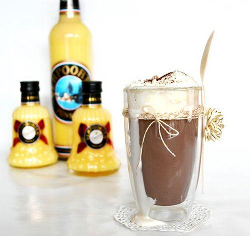 Eierlikör Rezept: Heißgetränke mit Eierlikör: Kakao liebt Verpoorten - Cockt...