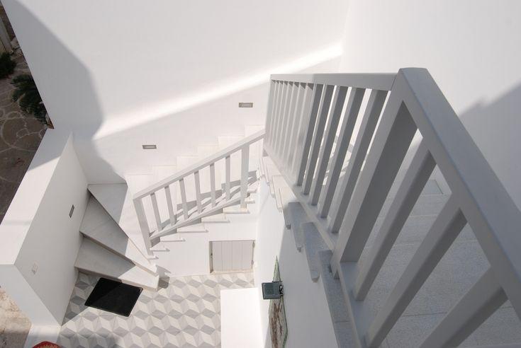 Στη Νάουσα της Πάρου | κουπαστή σκάλας | stair handrail | Kritikoswood | Accoya