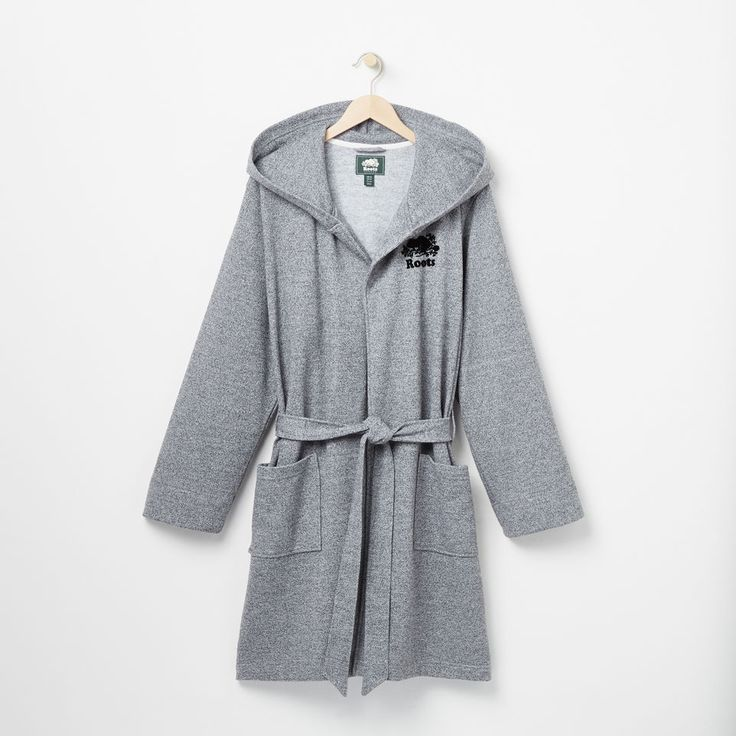 www.roots.com ca en roots-salt-and-pepper-hooded-robe-45040023.html?cgid=WomensCollectionsGeneralStore&start=1&selectedColor=008