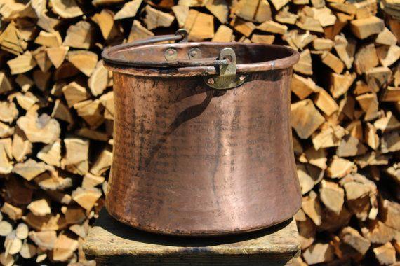 antique large pot by la casa del rame