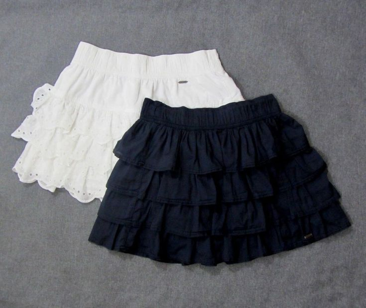 Hollister Women's Tiered Mini Skirt Lot of 2 Navy and White Juniors Medium #Hollister #Tiered #Casual
