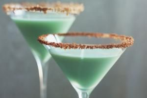This Sweet Chocolate-Mint Martini is Always a Hit: It has long been a favorite and the creamy, minty Grasshopper Cocktail is the martini that will have you begging for dessert.