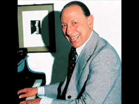 Renato Carosone canta 'O sarracino