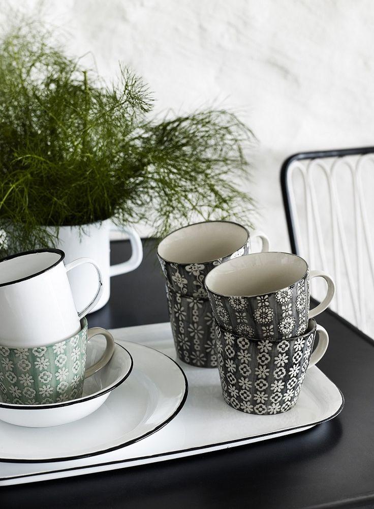 Mokken Grey s/4 van Nordal te koop bij Toef Wonen http://www.toefwonen.nl/c-2216919/keuken-tafel/