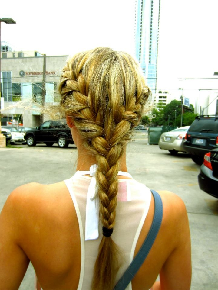 Perfect beach hair! So doing this everyday when I'm in California this summer!