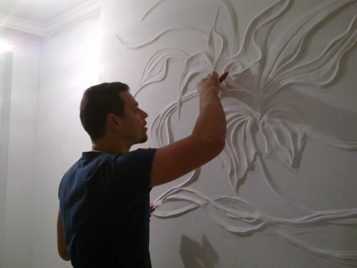Alexei Cotelea своими руками творит просто удивительные вещи. Обычную на первый взгляд отделку стен он превращает в произведение искусства. Скромные апартаменты квартир преображаются в цветущие сады и…