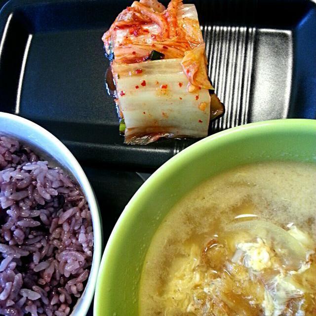 あまりにひどい二日酔いのため… 二日酔いに効くといわれているプゴクというスープを作ってもらいました。  プゴクとは、乾燥タラを水で戻し、胡麻油で炒めてから水で煮込んだ韓国のスープです。 - 74件のもぐもぐ - 旦那の手作りシリーズ♪ プゴク定食 by shino4minutes