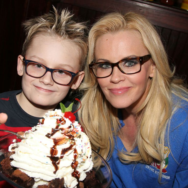 Should Jenny McCarthy Have to Explain Her Son's Autism Diagnosis With the Public?