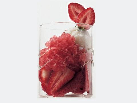 Hem Göze, Hem Mideye Ziyafet '' Dondurmalı Çilekli Jöle '' Tarifi...  http://www.lciturkiye.com/yemek/tarif/2139/0/Dondurmali-Cilekli-Jole  #cooking #recipe #Strawberries and gel recipe #tatli #cilek #jöle #yemek tarifi #tarif #yemek #lacucinaitaliana #la cucina italiana #lciturkiye #italyan yemekleri #italyan mutfagi #la cucina italiana