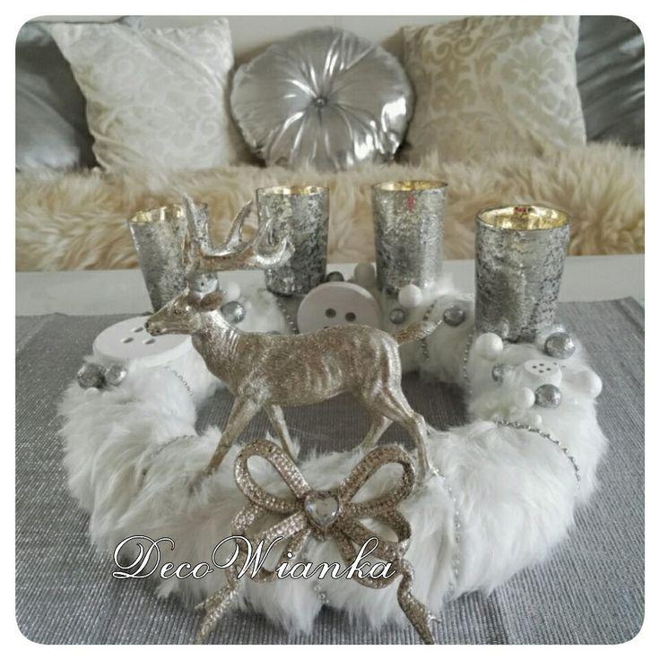 Wianek dekoracyjny,wianek zimowy,stroik,kompozycja