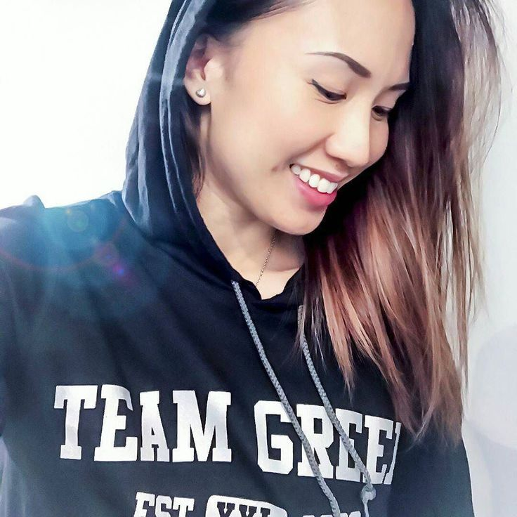 @Regrann from @leona.fit.shutterbug -  #Comfy in my @teamgreenphysiques hoodie from @maximumathleticsinc  #fitlife #fitmama #fitgirl #igdaily #instalike #instagood #instamood #happy #cute #girlboss #follow #asian #asiangirl #me #smile #toronto #the6ix #bodybuilding #girl #fitfam #fitspo #fitspiration #motivation #goodvibes - #regrann