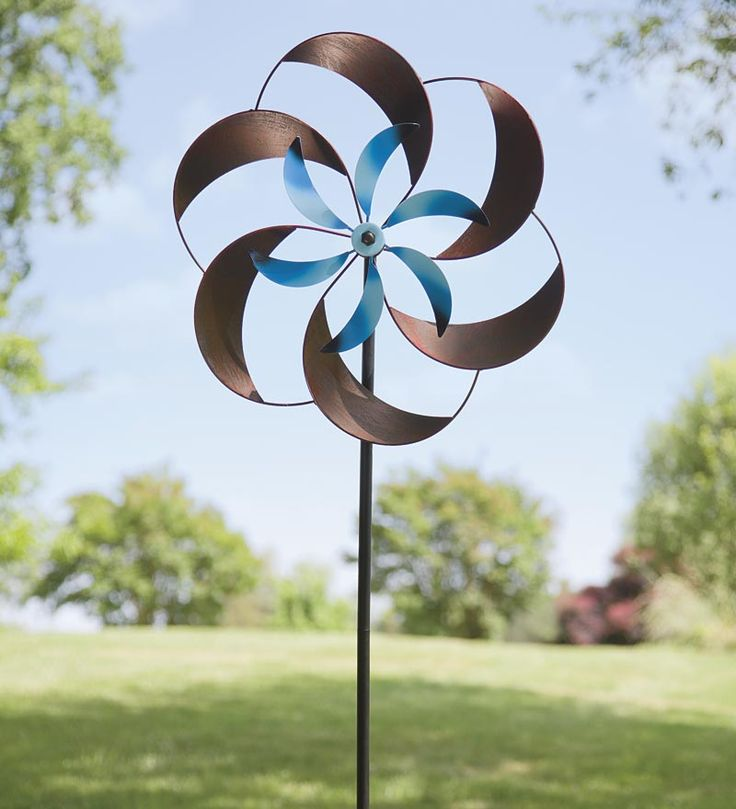 Beautiful Two Tone Pinwheel Metal Garden Spinner    U2022 2 Separate Kinetic Spinners In  Different