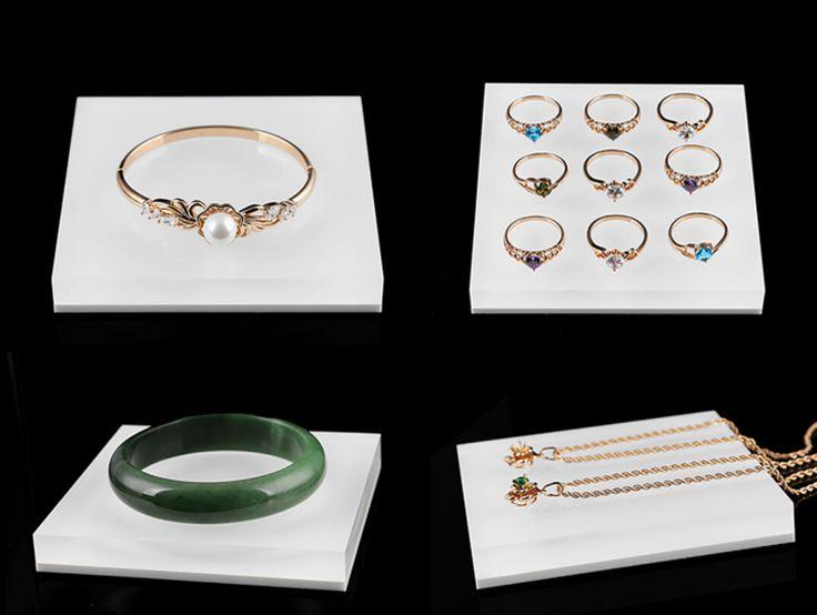 pandora jewelry display from Winnerpak
