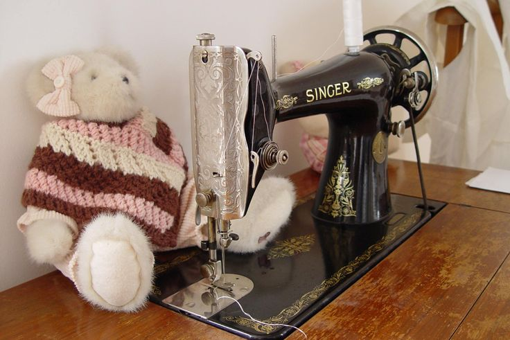 The old Singer always works #ILLANGO #sewing