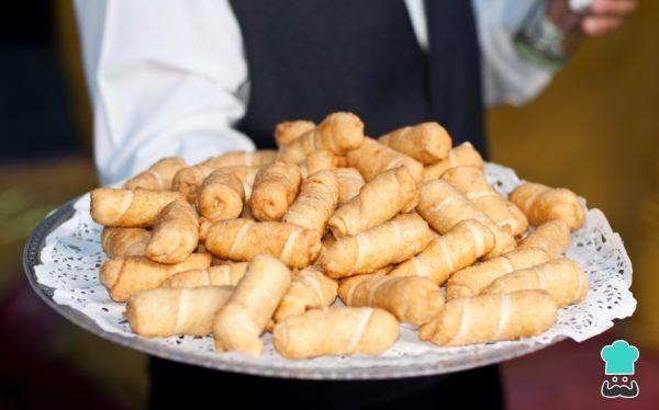 Aprende a preparar tequeños horneados con esta rica y fácil receta. Los tequeños son una plaitos de queso envueltos en una masa suave típicos de Venezuela, donde el...