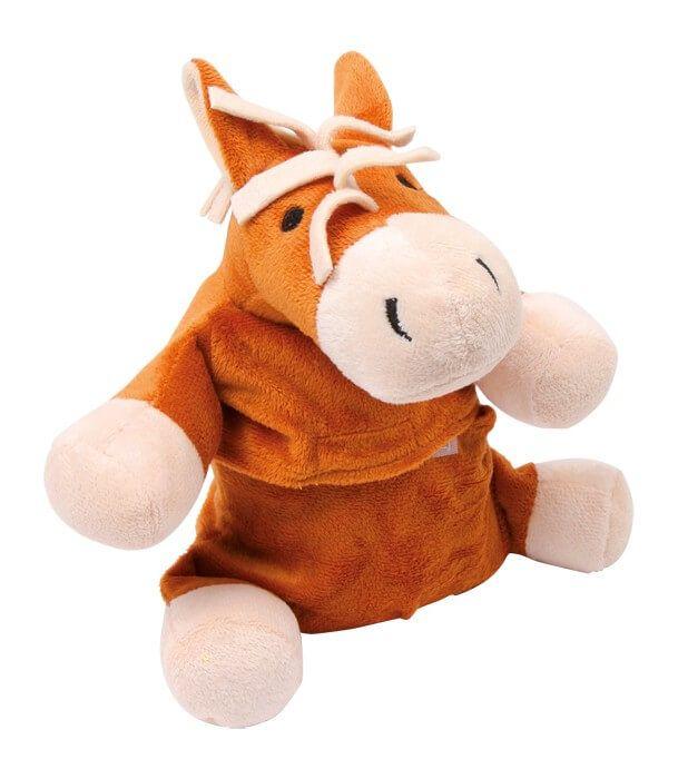 Dit knuffelzachte paard heeft het in zich! In zijn buik zit een met tarwepitten gevuld kussen, dat in de magnetron verwarmd lange tijd een weldadige warmte uitstraalt. Ideaal voor kinderbedden of ook als warmte uitstralende ontspanning voor de nek!
