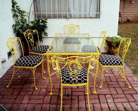Spray painted metal furniture would be so much easier to maintain all my  deck furniture is rusting and fading. Best 25  Vintage patio furniture ideas on Pinterest   Patio sets