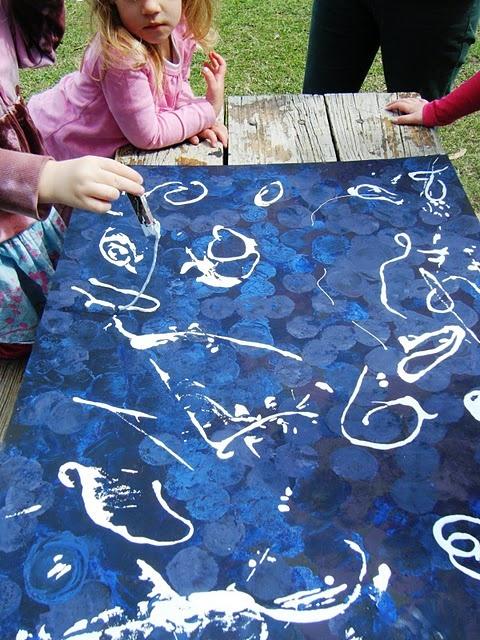 Supersize string paintingSuper Size, Size String, Children Plays, Multiplication Layered, String Painting, Art Ideas, Schools Fun, Classroom Ideas, Line Art