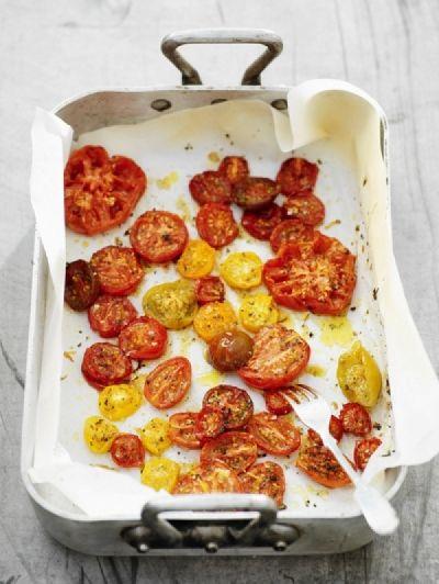 Gemarineerde tomaten uit de oven / Recepten / Eten | ELLE Eten Mobiel