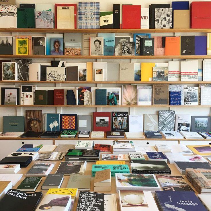 Perimeter Books, Thornbury