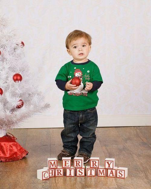 Best 25+ Toddler christmas photos ideas on Pinterest   Toddler ...