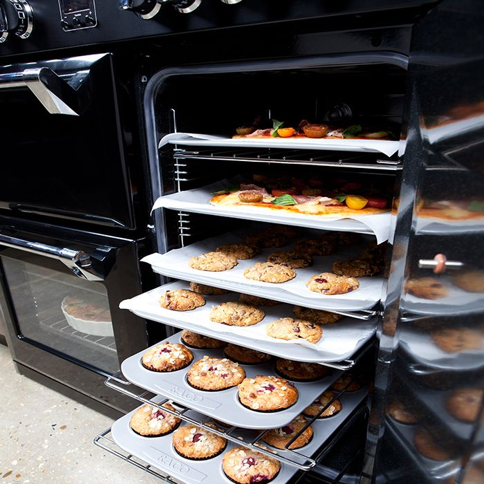 Our range cookers redefine batch baking! With up to 4 cavities, you can select a function and temperature for each and every single one of them, allowing for more appropriate cooking of the feast to come...