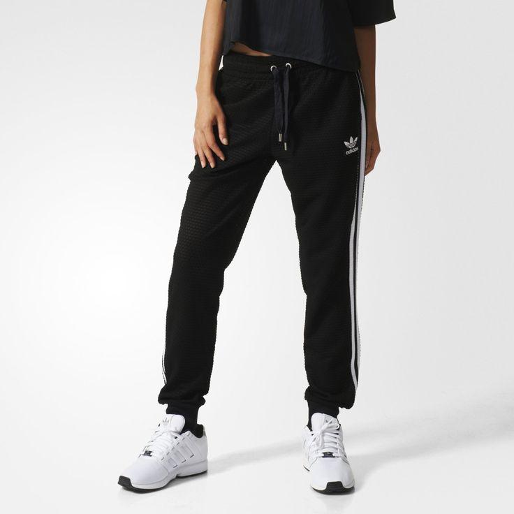 adidas(アディダス)通販オンラインショップ。パンツ LONG PANTS Apparel 【adicolor】 ジャージ パンツ [TRACK PANT] ウェア アパレル など公式サイトならではの幅広い品揃えが魅力。